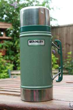 stanley-thermos-resized-5590ttu